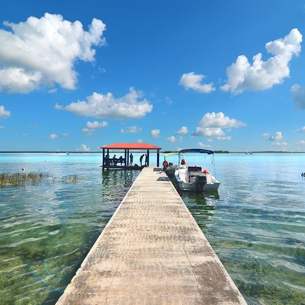 Découverte de la lagune de Bacalar en bateau