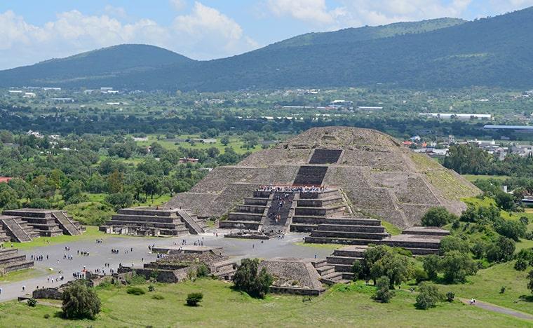 Les pyramides du Teotihuacan